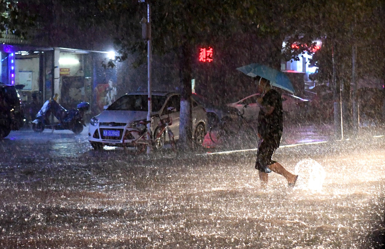 摩登平台APP参与河南水灾救灾志愿者和救援人员迎来专属保障,最高可达100万元