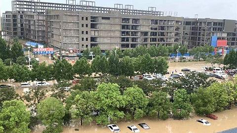 河南洪水围困全球最大苹果手机生产基地