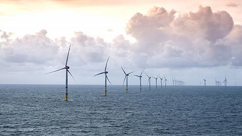 广东海域一风电施工平台侧翻,安全转移61人、尚有4人失联