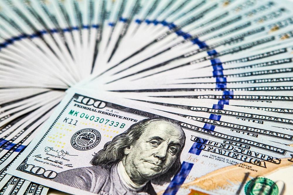 摩登5官网陈胤默:下半年人民币对美元或贬值,年末接近6.8