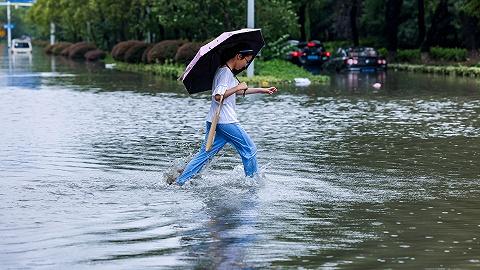 """台风""""烟花""""强度减弱,河南省防汛救灾等仍是现阶段工作重点"""