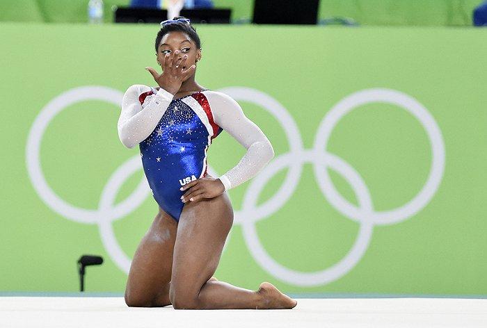 """摩登4代理958337谁来决定女运动员露多少?从德国女子体操队穿长裤抗议""""被性别化""""的身体谈起"""