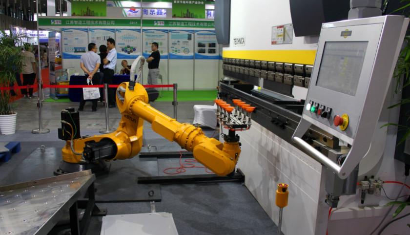 摩登5官网极端天气影响下,7月中国制造业PMI降至17个月新低