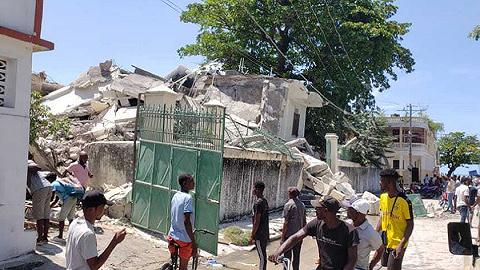 政治動蕩未平又遭天災,海地大地震致1297人死亡
