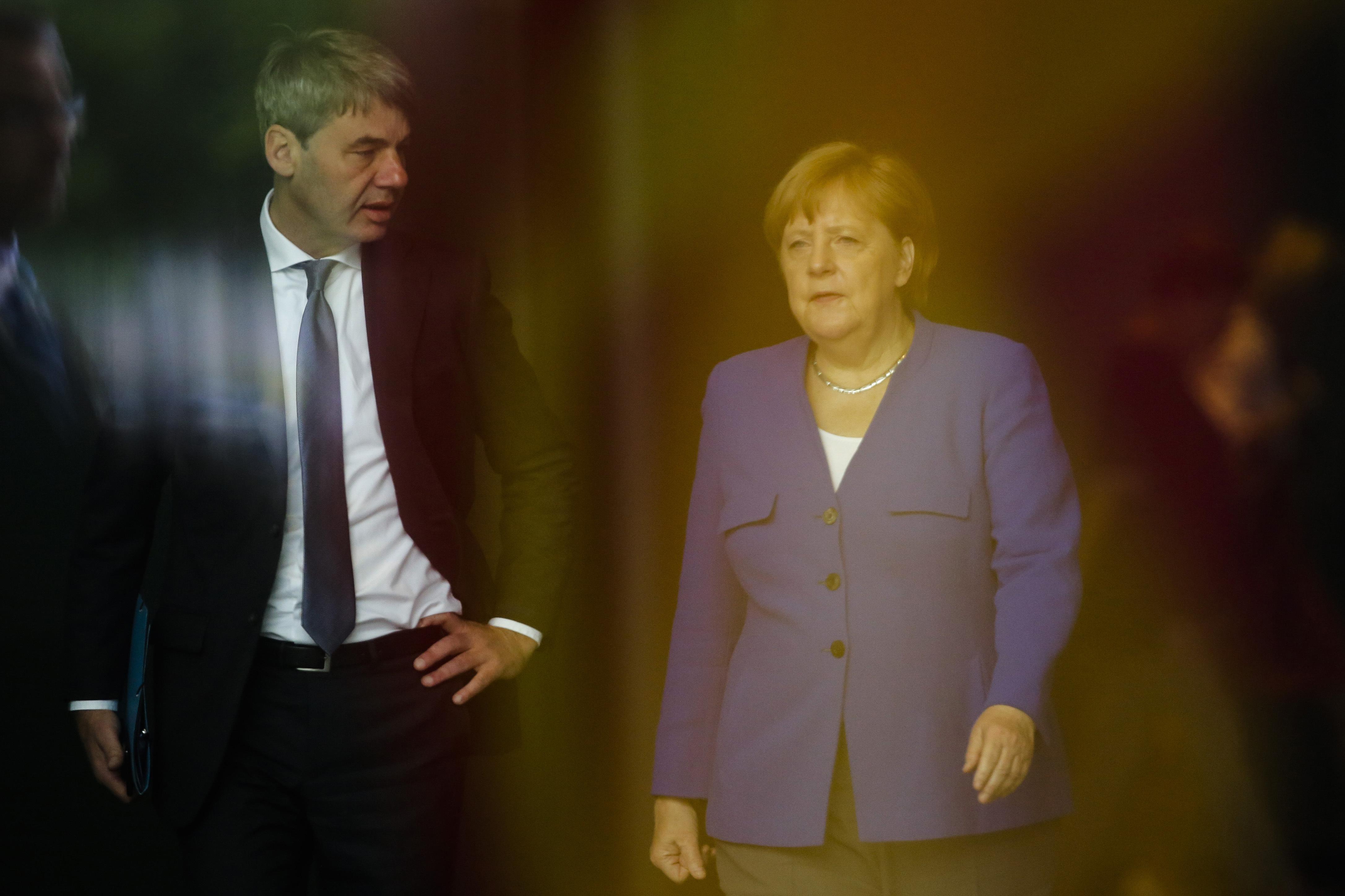 华信娱乐官网上任仅两周的德国驻华大使突然离世,生前深受默克尔倚重