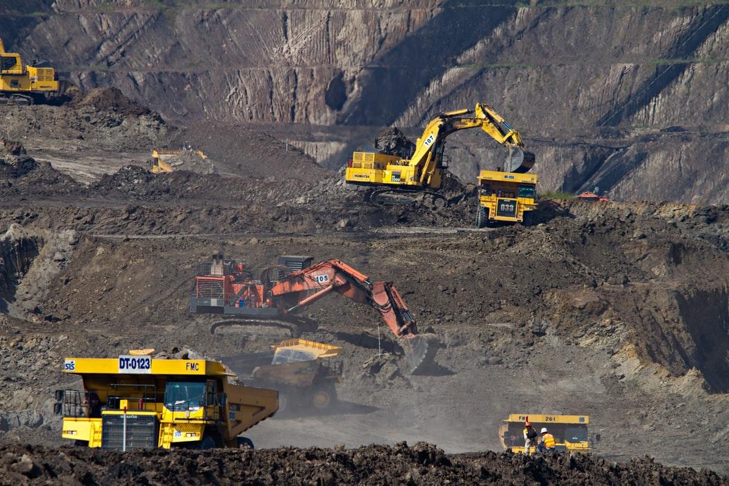 """鸿蒙操作系统首次""""下矿"""",未来煤矿工人可在办公室里挖煤?"""