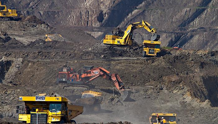 """天富代理注册鸿蒙操作系统首次""""下矿"""",未来煤矿工人可在办公室里挖煤?"""