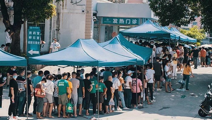 莆田疫情已发现52名学生感染,官方:14周岁以下儿童隔离可有家人同住