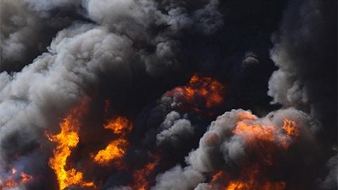 太原致13死冰雕景点火灾事故调查报告公布,38名公职人员被追责