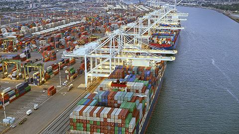 """美国两港口出现""""史上最严重拥堵"""",货船平均进港时间延长至8.7天"""