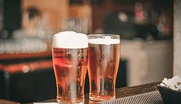 """昔日啤酒一哥身陷""""中年危机"""",燕京啤酒高端化发展能否带来新变量?"""