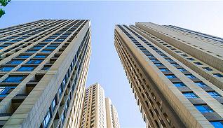 大房企上半年业绩优势明显 板块估值处于历史低位