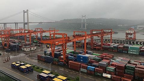 """通道带物流:重庆果园港与新加坡港""""双枢纽港""""联动"""