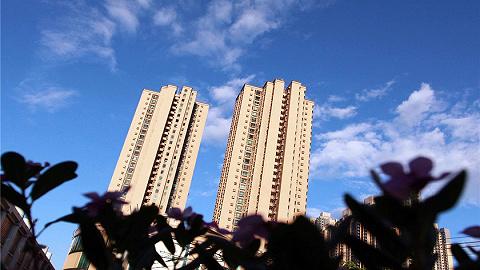 地产半年考·土地篇   300城宅地楼面均价同比上涨16.5%,百强房企上半年拿地花了1.5万亿