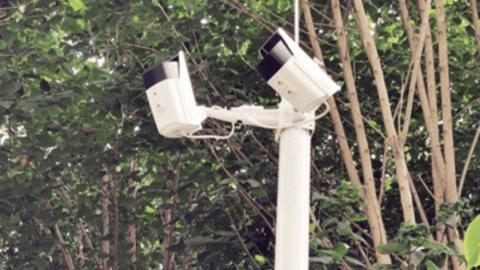 """西安咸宁西路的质检小区高空抛物频发,小区装上""""朝天探头"""""""