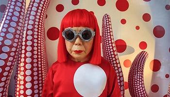 草間彌生、弗里達、加繆……藝術家文人們平時都愛穿什么?