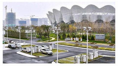 奥体中心周边交通优化提升改造进行中