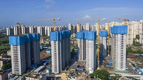 海口首栋安居房项目住宅楼封顶